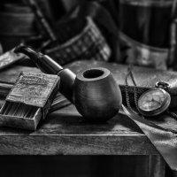 Натюрморт с трубкой и спичками :: Владимир Голиков