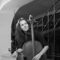 виолончелистка Наташа :: Тарас Золотько