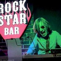 Из жизни рок-бара... :: Павел Железняк
