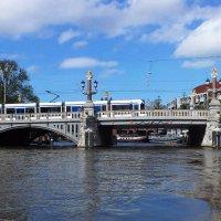 Невзначай небо, мост, трамвай... :: Виктор Никаноров