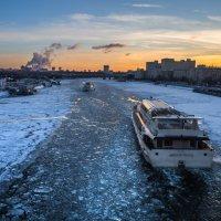 Зимняя навигация на реке Москва :: Dmitriy Martynenko
