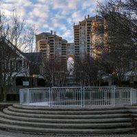 Зимним вечером у фонтана (Этобико, окраина Торонто) :: Юрий Поляков