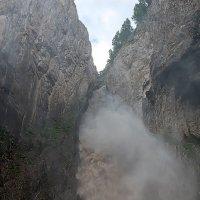 Стихия водопада :: Иван