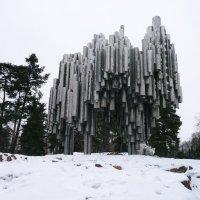 Памятник Яну Сибелиусу. :: Ольга Васильева