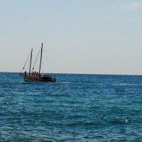 Парусник. Черное море. Крым. :: Любовь К.