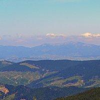 Черногорский хребет(Карпаты) :: Nina Streapan