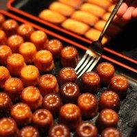 Cannelé - фирменный десерт фр. региона Аквитания (Бордо) :: Фотограф в Париже, Франции Наталья Ильина