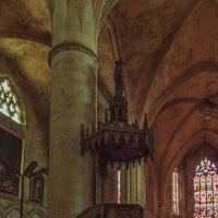 Сент-Эмильон. Коллегиальная церковь. :: Надежда Лаптева