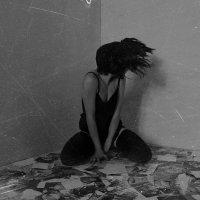 Разбитые воспоминания. :: Ирина С