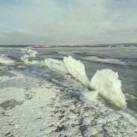 Торосы на озере. :: Александр Крылов