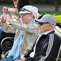 и пенсионеры развлекаются :: Олег Лукьянов
