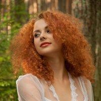 Девушка в лесу :: Дмитрий Заборонок