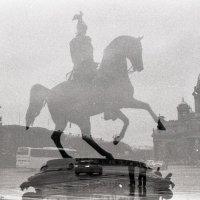 Фантом в хмуром небе :: Дмитрий Ромашев