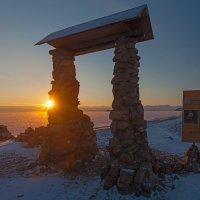 Восход солнца на Малом море :: Анатолий Иргл