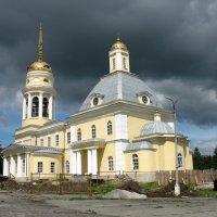 божий храм перед грозой :: Михаил Полыгалов