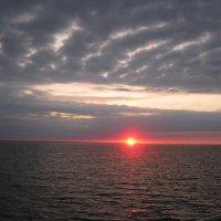 Закат на ладожском озере. :: Татьяна