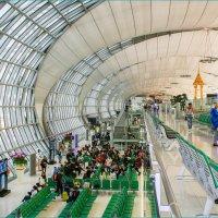 Аэропорт Бангкока Суварнабхуми :: Светлана Тремасова