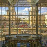 Выход в город :: Валерий Кишилов