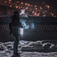 Поймали момент у фанаря))) :: Виктория Владимировна