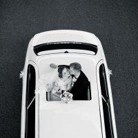 Молодожёны на лимузине :: Олег Блохин