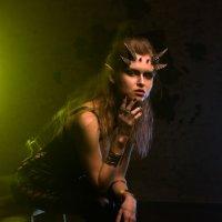 Девушка с рогами :: Ирина Петрова