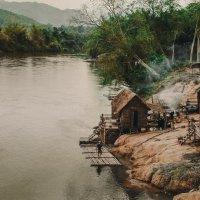 домик у реки :: Наталья Лизогуб