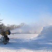 Снеговая пушка :: Александр Михайлов
