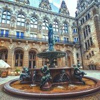 Фонтан Hygieia во дворе Гамбургской мэрии :: Ирина Лепнёва