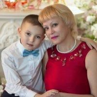 Бабушка со старшим внучком. )) :: Райская птица Бородина