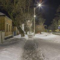 Ночная улочка :: Сергей