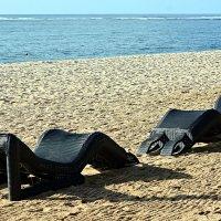 Лежу на пляжу я и млею... :: Асылбек Айманов