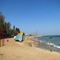 Махачкала. На пляже в сентябре. :: Владимир Драгунский