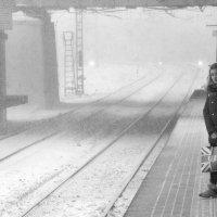 """снегопад в декорациях станции """"Окружная"""" :: Максим Должанский"""