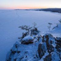 Байкал, мыс Бурхан, без одной минуты семь (утра). :: Slava Sh