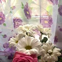 Роза и хризантемы :: Елена Семигина