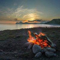 """""""...Пока ты есть, пока горит костер на дальнем берегу..."""" :: viton"""