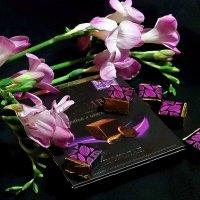 Фрезии и шоколад :: Елена