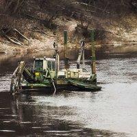 углубление дна реки :: Сергей Кочнев