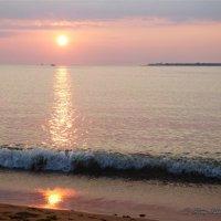 Море в октябре. Геленджик. :: Alexey YakovLev