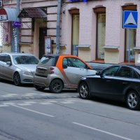 Большое преимущество маленького автомобиля... :: марк