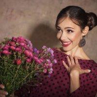 С праздником, милые дамы! :: Сергей