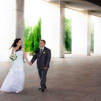жених и невеста на поклонной горе :: Егор Чеботаренко
