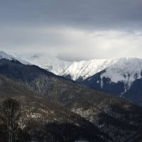 Вид на Горы с высоты 1170 м (Роза Плато) :: Дмитрий Петренко