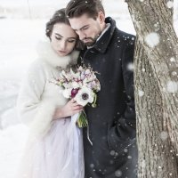 Лиза и Максим на прогулке в парке :: Катерина Швецова