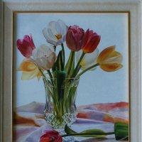 Стояли на столе... Тюльпаны в хрустале. (Картина написана маслом). :: Лара Гамильтон