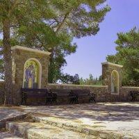 В окрестностях Киккского монастыря на склонах Троодоса. :: Виктор Куприянов