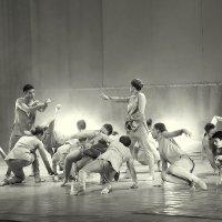 Современный танец :: Владимир Юдин