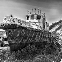 Байкал.. Умирающий корабль.. :: Надежда