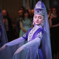 танцовщица :: Батик Табуев