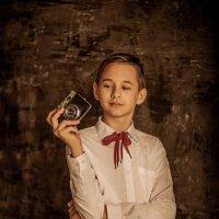 Мальчик с фотоаппаратом :: valentina